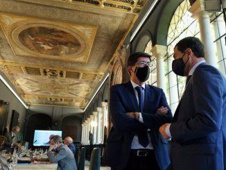 Andalucía repartirá mascarillas gratis este miércoles para los mayores de 65