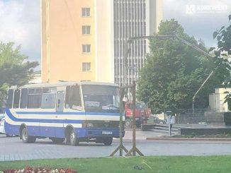 Un hombre con explosivos secuestra un autobús en Ucrania