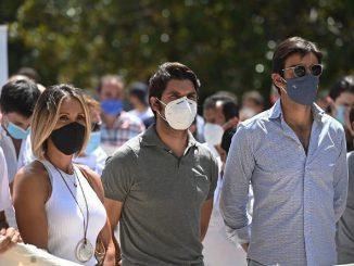 Cayetano Rivera acude a la manifestación en apoyo al sector de la tauromaquia