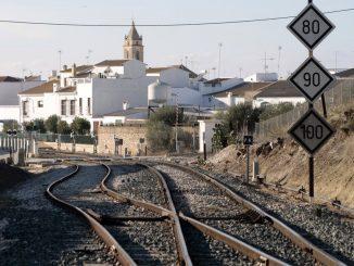 Mueren dos personas en un accidente de helicóptero en Sevilla