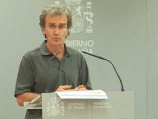 Fernando Simón revela que baja la edad media de los contagiados en una rueda de prensa.