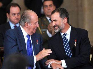 ¿Monarquía o república?Piden referéndum