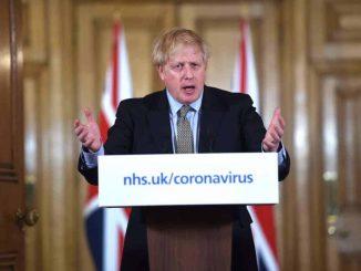 Reino Unido podría reducir a 10 días la cuarentena a los viajeros procedentes de España