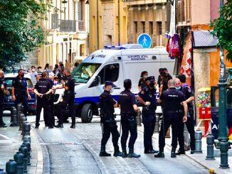 Inmigrante armó tiroteo en Granada tras robar arma a policía