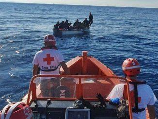 Ocho inmigrantes se dan a la fuga en Cartagena.