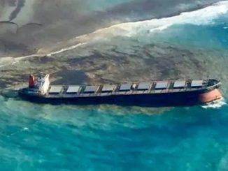 Desastre medioambiental en las Islas Mauricio: El barco puede partirse