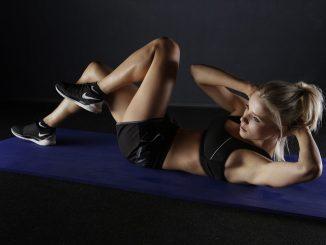 Ejercicios para desarrollar los abdominales: crunch