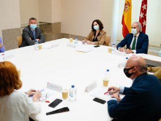 Madrid deja de hacer test a los contactos con positivos