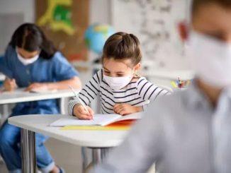Francia decreta el cierre de 22 colegios por coronavirus