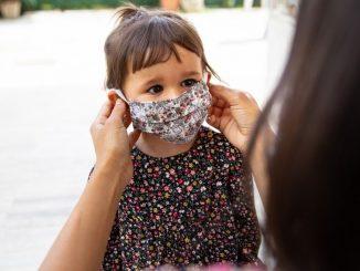 Grupo de padres reúnen 1200 firmas contra las mascarillas en colegios