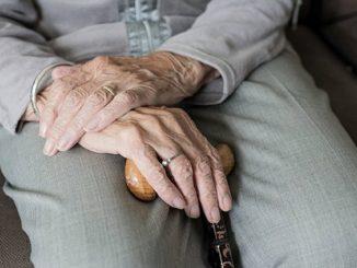 Libertad provisional para la auxiliar que vejó a una anciana