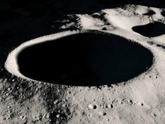 NASA confirma la presencia de agua en la superficie de la Luna