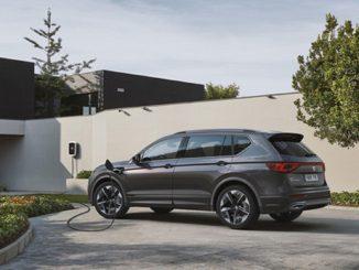 El Gobierno prevé sustituir sus coches oficiales por modelos «Eco»