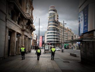 Madrid rectifica y permite las reuniones sociales por la noche