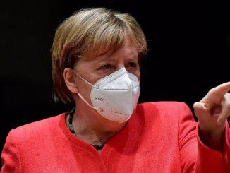 Merkel pretende cerrar bares y restaurantes en Alemania