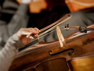 Con música intentan levantar el ánimo a pacientes en la UCI