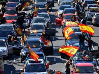 Protesta convocada por Vox llena de coches en Madrid