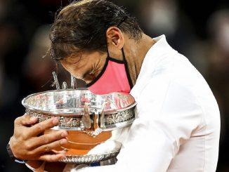Rafa Nadal logra su 13ª Roland Garos y lo celebra besando a su mujer