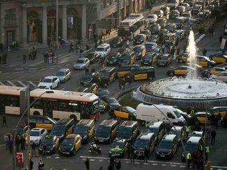 Cuarto día consecutivo de protestas de los taxistas de Barcelona