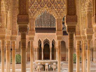 El coronavirus echa el cierre a la Alhambra de Granada
