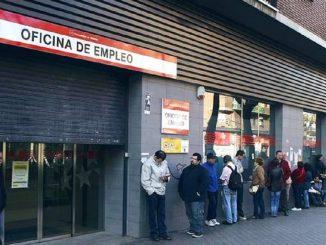 El Gobierno aprobará una ayuda para desempleados sin ingresos