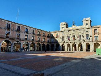 La Junta de Castilla y León confina Ávila y Segovia