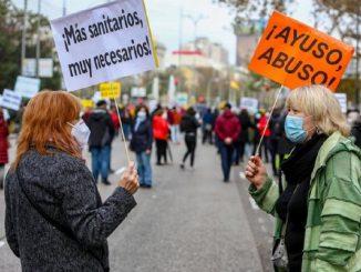 Una Marea Blanca inunda Madrid en defensa de la Sanidad Pública
