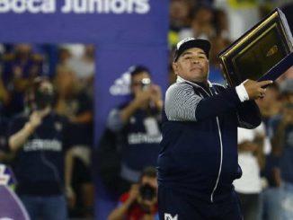El médico de Maradona explica los motivos de su hospitalización