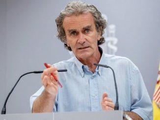 Los colegios de médicos piden la destitución de Fernando Simón