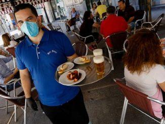 El coronavirus obliga a cerrar bares y restaurantes en Murcia