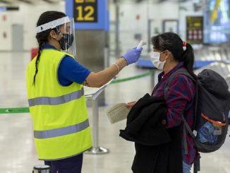 La UE estudia implantar el pasaporte COVID para viajar en verano