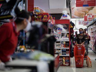Trabajadores de los supermercados, empleados de riego por la Covid-19