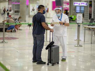 Los que viajen a Canarias deben contar con test negativo Covid