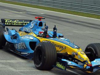 Fernando Alonso en el Gran Premio de Abu Dabi con un R25