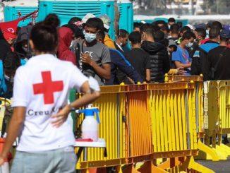 Canarias sufre el récord de llegadas de inmigrantes en un mes