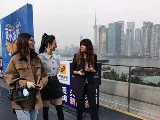 Una corresponsal en China conmociona al mundo con su mensaje de Navidad