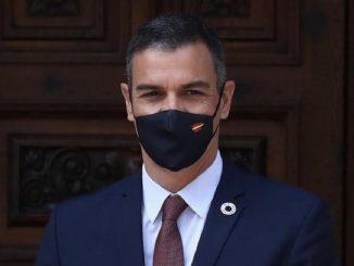 Pedro Sánchez en cuarentena por el positivo de Macron