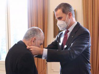 Felipe VI entrega el premio Cervantes a Joan Margarit en Barcelona