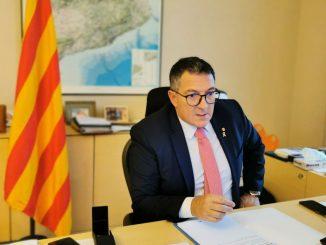 Cataluña estudia adelantar el toque de queda y cerrar bares