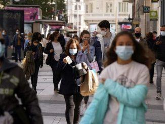 El coronavirus vuelve a extenderse por España durante la Navidad