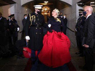 Lady Gaga canta el himno nacional en la investidura de Joe Biden