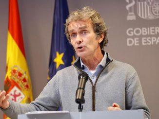 España baja la incidencia acumulada y el riesgo extremo de Coronavirus