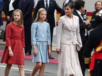 La Reina Letizia: criticada por poner reglas en el colegio de sus hijas