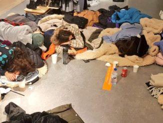 Trabajadores atrapados en el Centro Comercial Plaza Norte