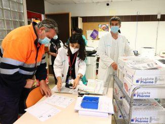 Prioridad a policías y bomberos con la vacuna AstraZeneca