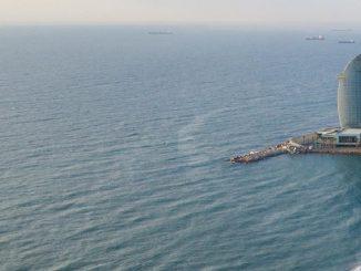 Cuatro playas de Barcelona prohíben fumar