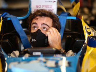 Fernando Alonso, sufre un accidente mientras montaba en bicicleta