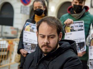 Hasél evita la prisión encerrado en la Universidad de Lérida