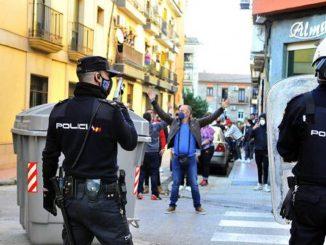 Disturbios Linares :agresión de dos policías a un padre y su hija