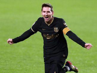 En Francia ya esperan a Messi en el PSG y lo visten con la camiseta